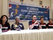 Kadispora Supratomo, memberikan keterangan pers Dispora Tunas Petra Cup, di Surabaya, Kamis (18/7/2019)