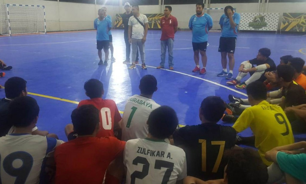 Suasana seleksi pemain futsal Jatim di Surabaya